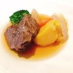 Sincere + - メインの牛肉頬肉のポトフ。