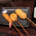 串揚げ いんぐ - 料理写真:串カツ1弾、左~小海老、蓮根、シューマイとミンチボール。