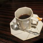 串揚げ いんぐ - 食後のコーヒー。ジバンシィのカップでした。そ言えば先日お亡くなりになってましたねぇ~哀悼~。