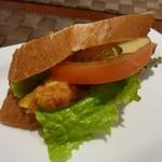 オステリア ディ レンドラ - Bランチのパン