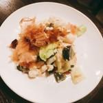 紅太陽 藤沢本町店 - ピータン豆腐
