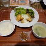 ビストロジドリーノ - ◆チキン南蛮ランチ(780円:外税)・・チキン南蛮、小鉢(金平ごぼう)、ご飯、お味噌汁などのセット。
