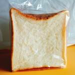ブーランジェリ ミル・ヴィラージュ - 角食パン