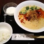 82718123 - 坦々麺・ライス・杏仁豆腐