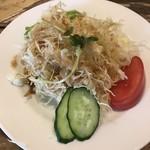 不思議香菜 ツナパハ - LUNCH(970円)のサラダ