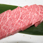 楠風 - ザブトン芸術的な霜降りで絶品。店長一押しのお肉。