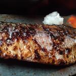 鯖の塩焼き専門店 鯖なのに。 - 鯖オモテのアップ