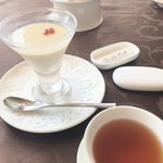 スーツァンレストラン 陳 - 杏仁豆腐