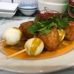 粥麺専家 香港バル213 - イカ団子とうずらのカレーソース