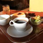 山小屋 - 目覚めのカラダにおいしい1杯