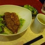 カフェカリーノ - サーロインステーキ丼。