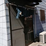 大橋 - 暖簾にはかなり年季が入っていました!(⌒‐⌒)