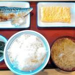 82731946 - ご飯セット(ライス中、豚汁、のり付き)¥237、さば¥280、玉子焼き(ネギ)¥194、菜の花のからし和え¥108、