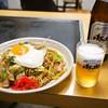 みち草 - 料理写真:ミックス焼そば+玉子追加、ビール