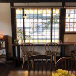 カフェはれま - ステンドガラスの席