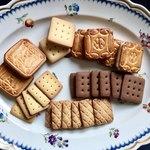 村上開新堂 - クッキー3(上3種類はサンドです)