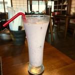 82744308 - 季節のフルーツジュース(ミルク割り)