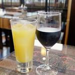 キンカーオ - マンゴージュースと 赤ワイン