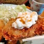 えん処 こばく亭 - 私の食べ方鉄板、タルタル+醤油!