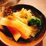 沖縄とんかつ食堂しまぶた屋 - 香の物