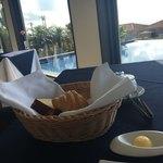レストラン エタデスプリ - パン3種類とバター