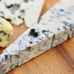 チーズ3種類とナッツの盛り合わせ