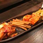 極味焼肉 牛吾 - キムチ盛(白菜、ごぼう、長芋、セロリ)