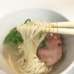 博多らーめん ShinShin - 麺リフト~♪