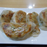 中華料理 六和堂 - 料理写真:餃子