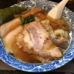 82756891 - 肉厚雲呑麺+チャーシュー ¥850-(税込)