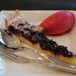 びすとろぽたじぇ - デザート ブルーベリーのタルトとフランボワーズのシャーベット