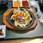 82763922 - たじま牛ホルモン焼定食