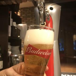 《生ビールはバドワイザー!ハイボールやカクテルも!》