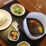 よかよか亭 - ハンバーグセットの全容 (1,080円→864円)