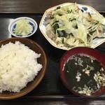 82766907 - 2回目 野菜炒めライス630円