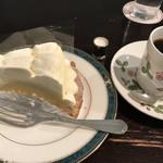 82767180 - ダブルチーズのケーキ&ドリンクセット