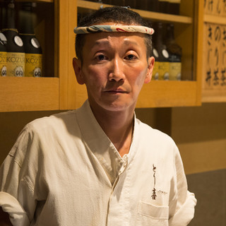 坂井康人(サカイヤスヒト)―丹念な火入れで極上の一串を提供