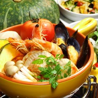 海の幸とたっぷり野菜のトマト鍋