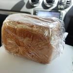 食パン専門店 成り松 - ☆存在感があります(^^ゞ☆
