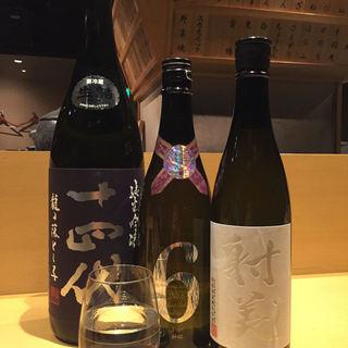 日本酒各種ご用意ございます。