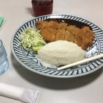 香港 - 料理写真:カツ定食 おかず大盛り。宴会で出てくる大皿に盛られて出てきます。