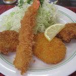 里味亭 - 料理写真:お好み定食¥700+大きな海老フライ¥400
