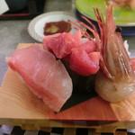 回転寿司 魚どんや - 特選三昧