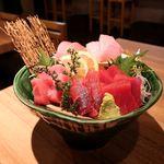 マグロ専門居酒屋 鮪屋 - 生本マグロの鮮魚盛り合わせ