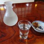 粉名屋小太郎 - ドリンク写真:一合550円(そば味噌付き)
