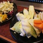 毎日が日曜日 - サラダバーから、サラダと焼き野菜も準備完了!