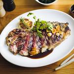 ザ タヴァン グリル&ラウンジ - Beef Sirloin with Sauce