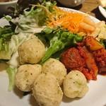 SALVATORE CUOMO & BAR - サラダ、マリネ、ゼッポリ