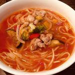 モカロ - 鶏肉と野菜のトマトソースパスタ(1080円)