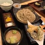 82795384 - 【ランチセット】盛りそば、ミニ天ぷら盛り、ごはんもの、小鉢